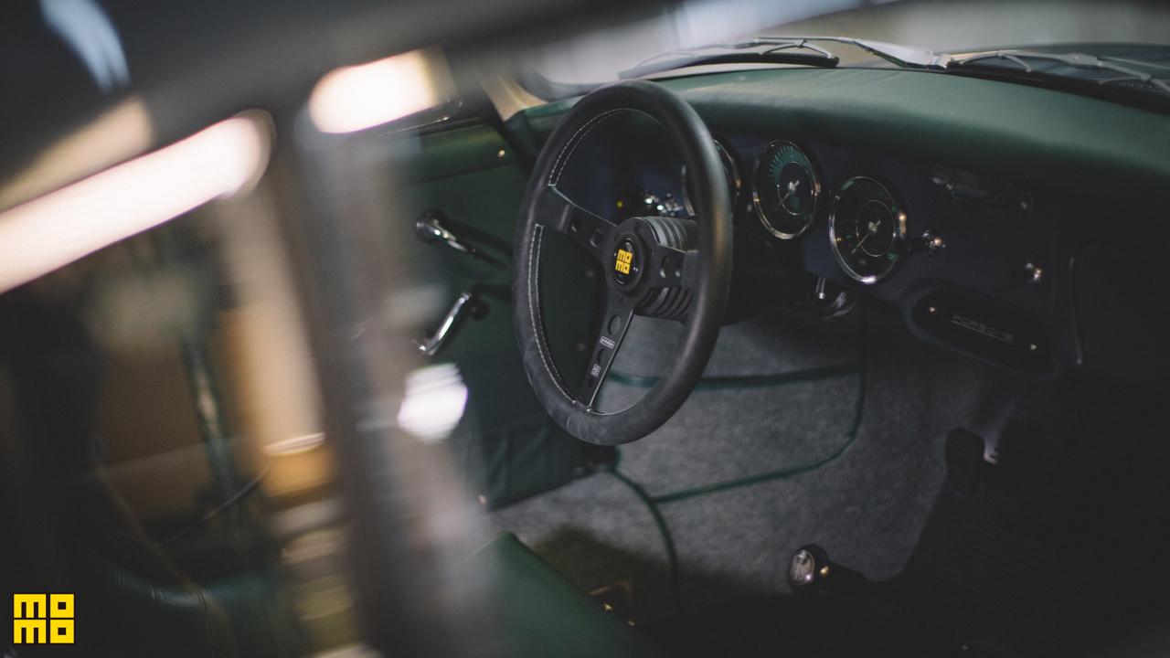 momo prototipo steering wheel. Black Bedroom Furniture Sets. Home Design Ideas