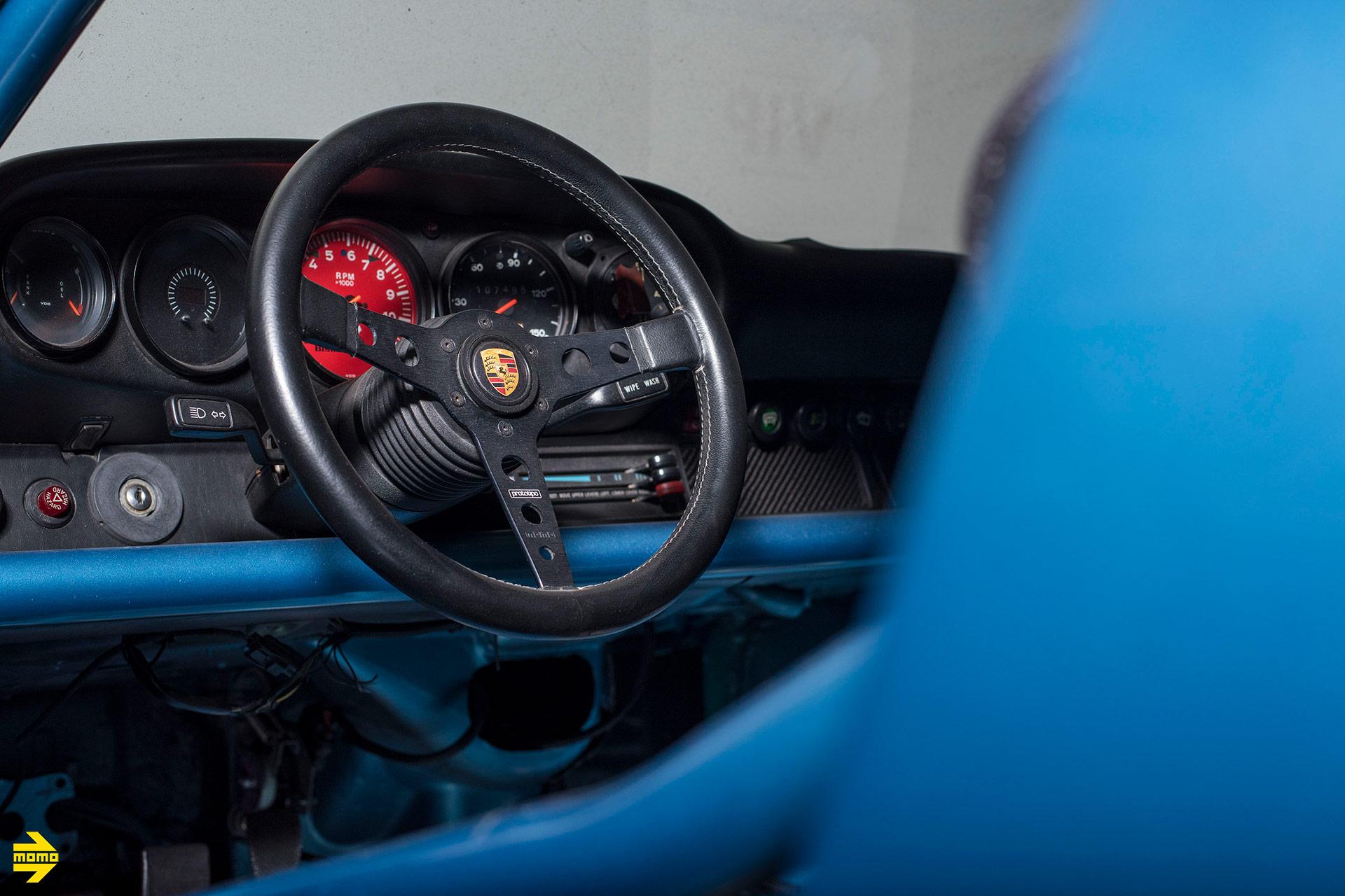 Blue Bisimoto Twin Turbo Porsche 964 - MOMO Prototipo Steering Wheel