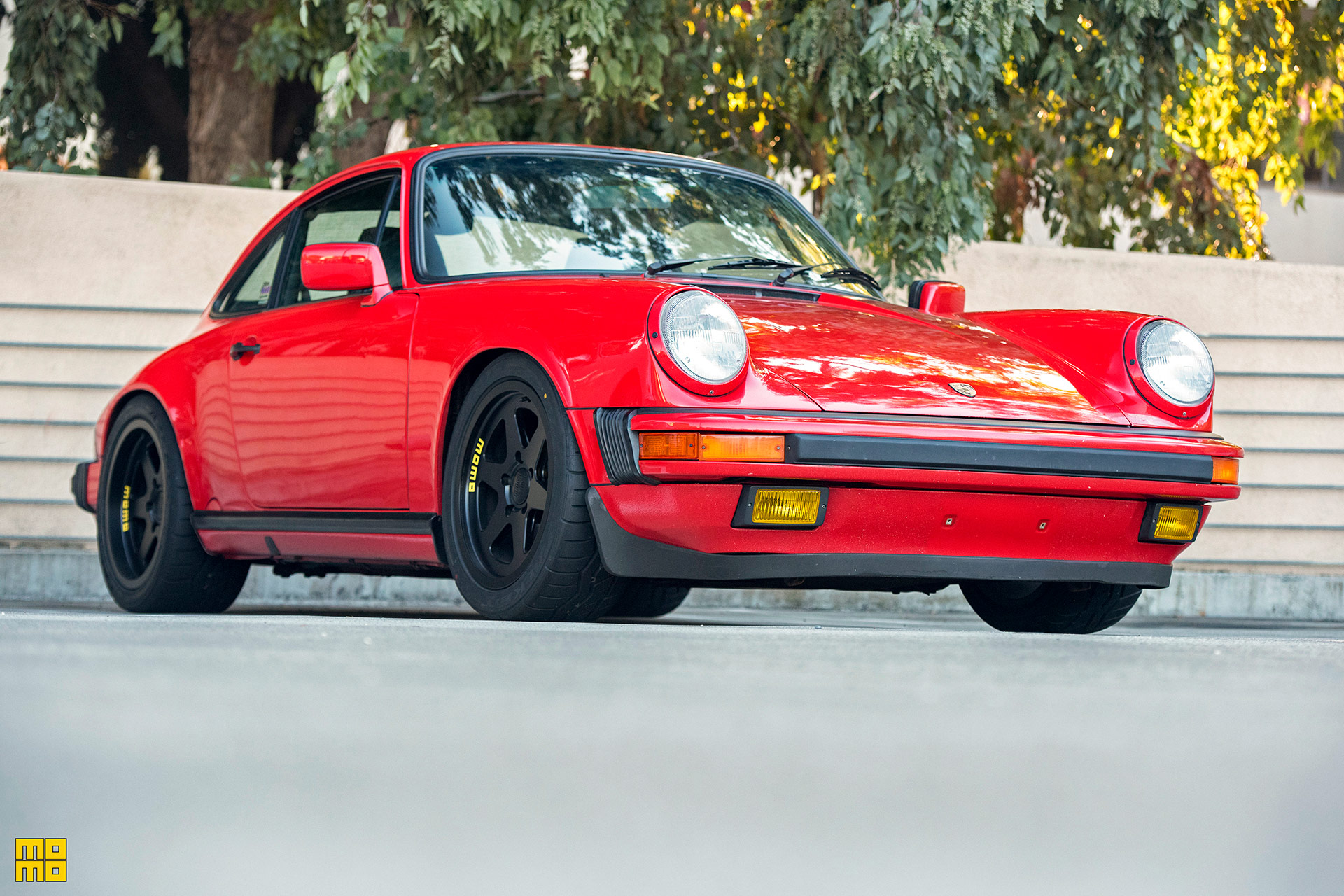 Guards Red Porsche 911 – MOMO Heritage 6 Wheels And More