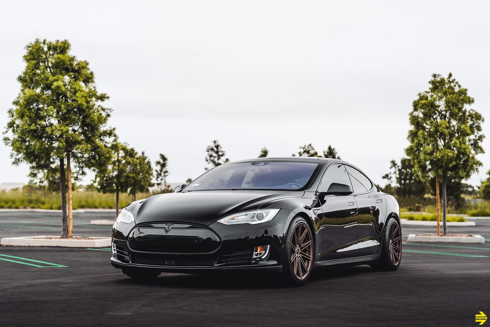 Black Tesla Model S - MOMO RF-10S Wheels in Matte Bronze