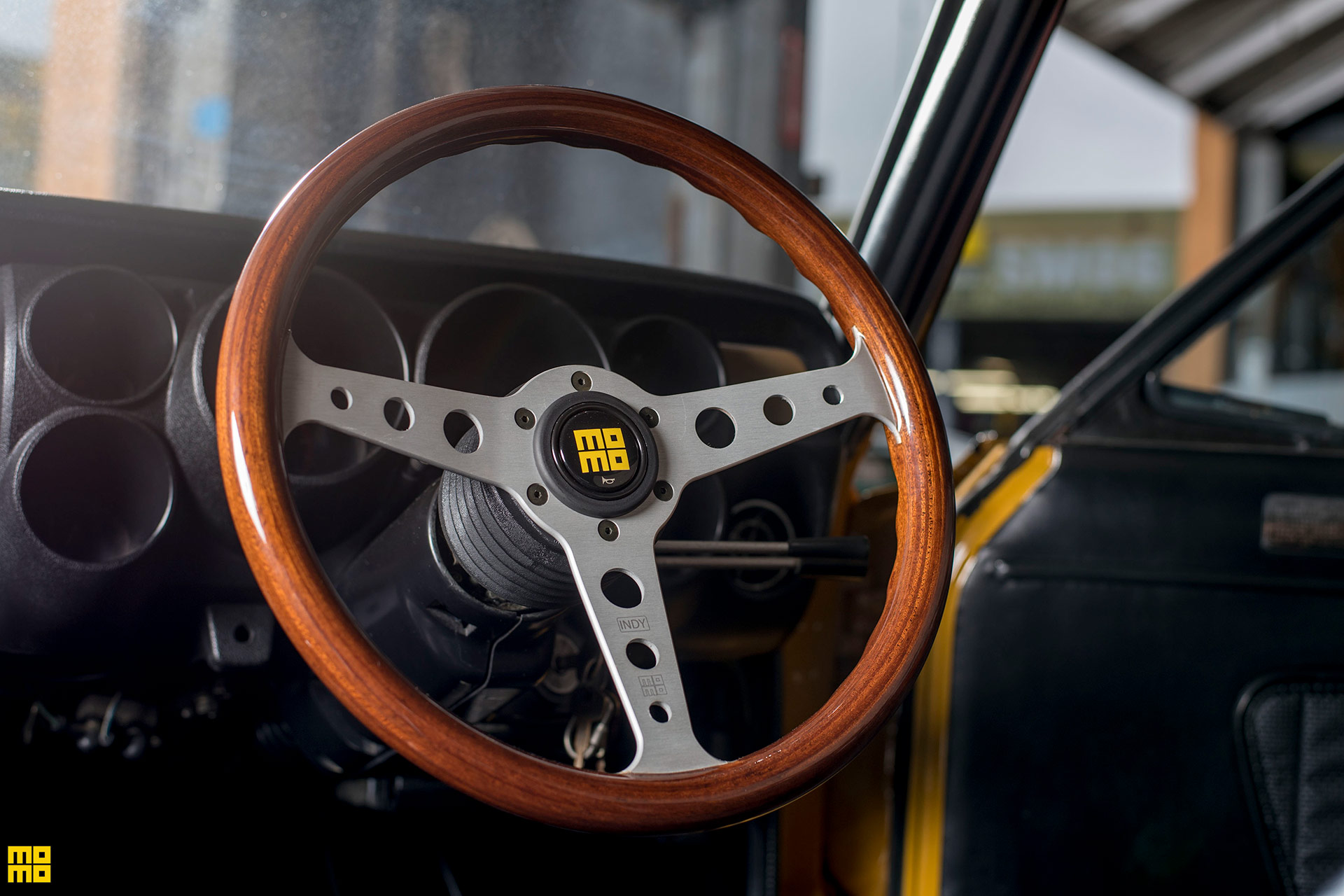 Beautiful Nissan 'Hakosuka' Skyline GT-R Equipped With A MOMO Heritage Indy Steering Wheel