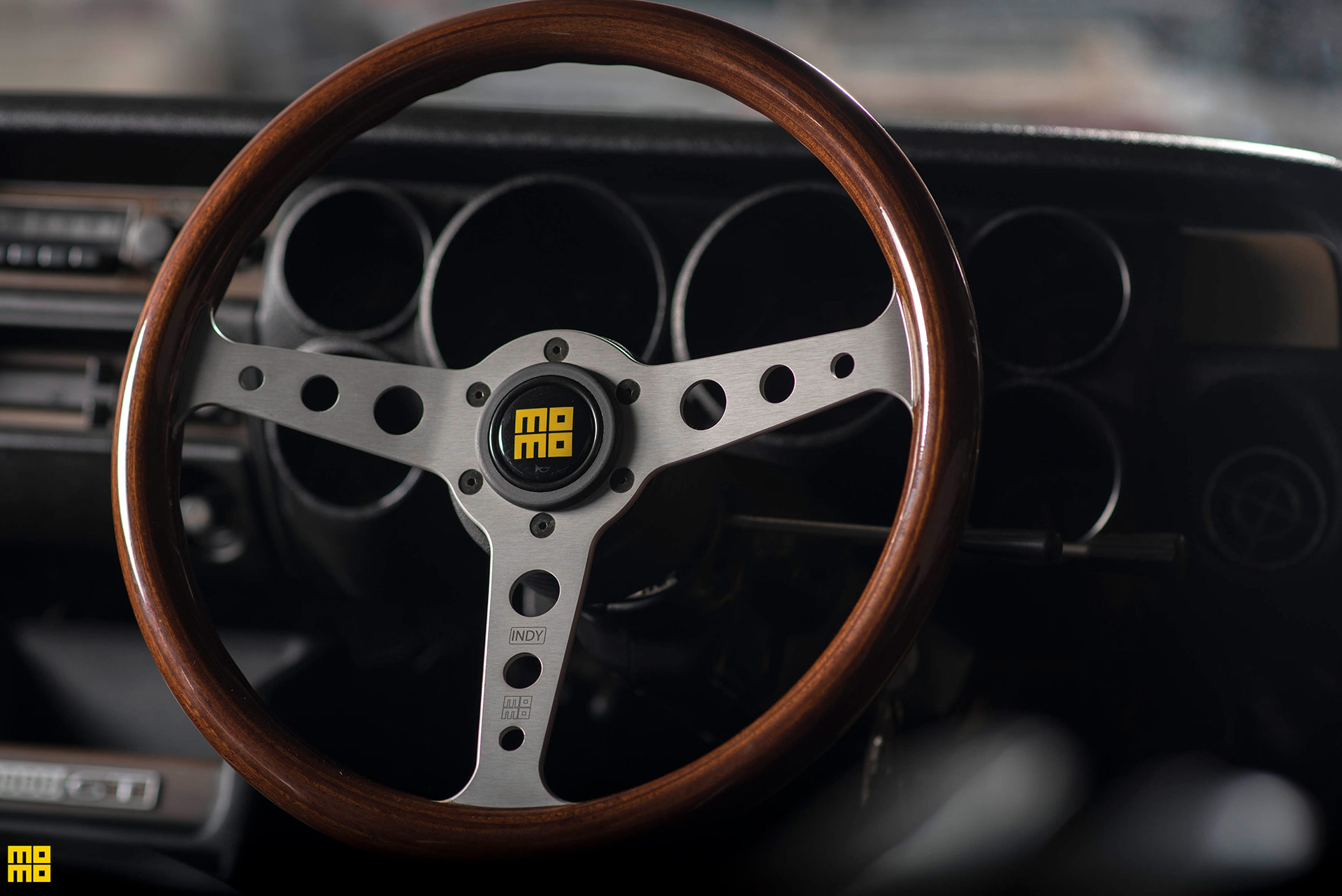 Nissan Hakosuka Skyline GTR - Momo Heritage Indy Steering Wheel
