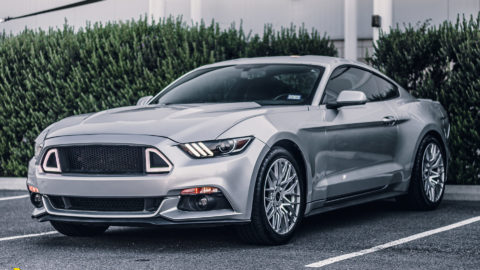 Silver Ford Mustang S550 - MOMO Catania Wheels in Silver