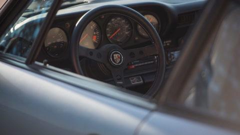 Blue Porsche 991 SC - MOMO Prototipo in Black
