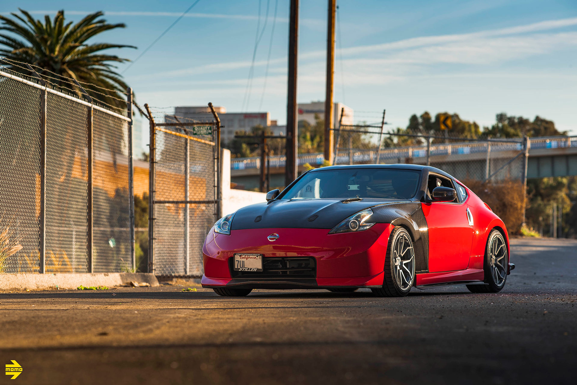Red Nissan Nismo 370Z Z34 - MOMO RF-5C Wheels