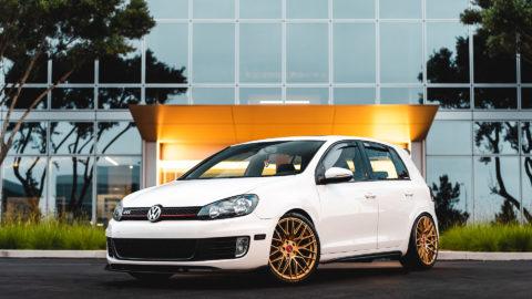 Unitronic Stage 1+ 2010 Volkswagen GTi MK6 in MOMO RF-20 Gold Wheels