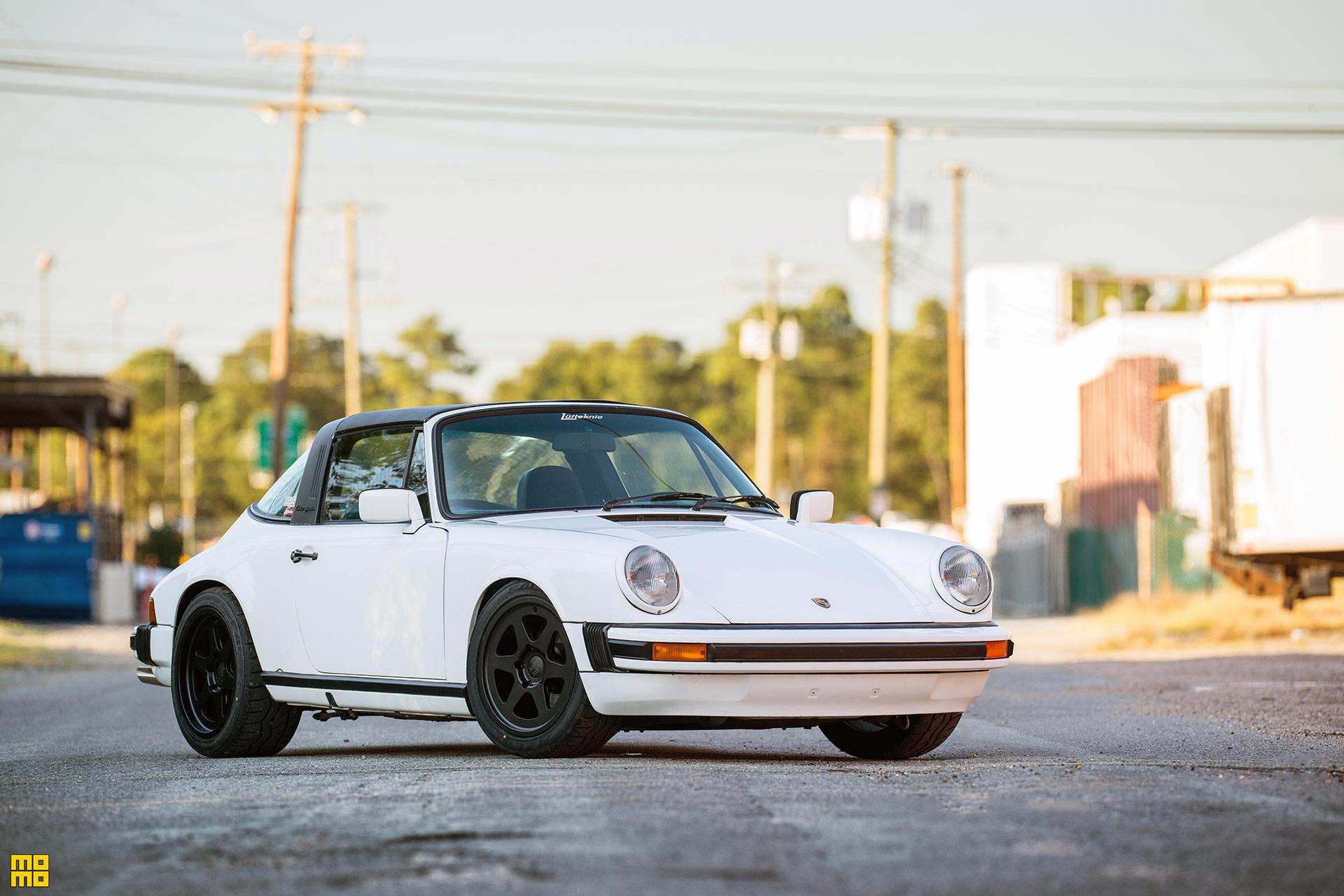 White Porsche 911 SC Targa - MOMO Heritage 6 Wheels in Matte Black