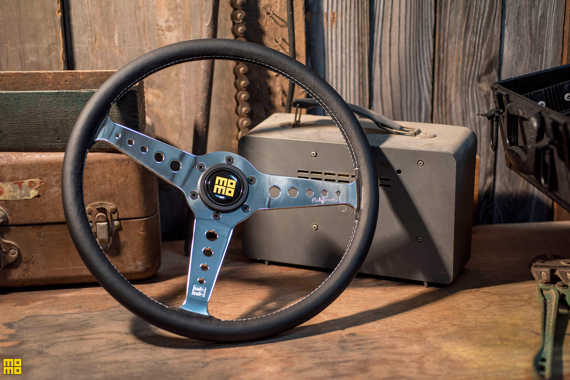 MOMO California Heritage Steering Wheel