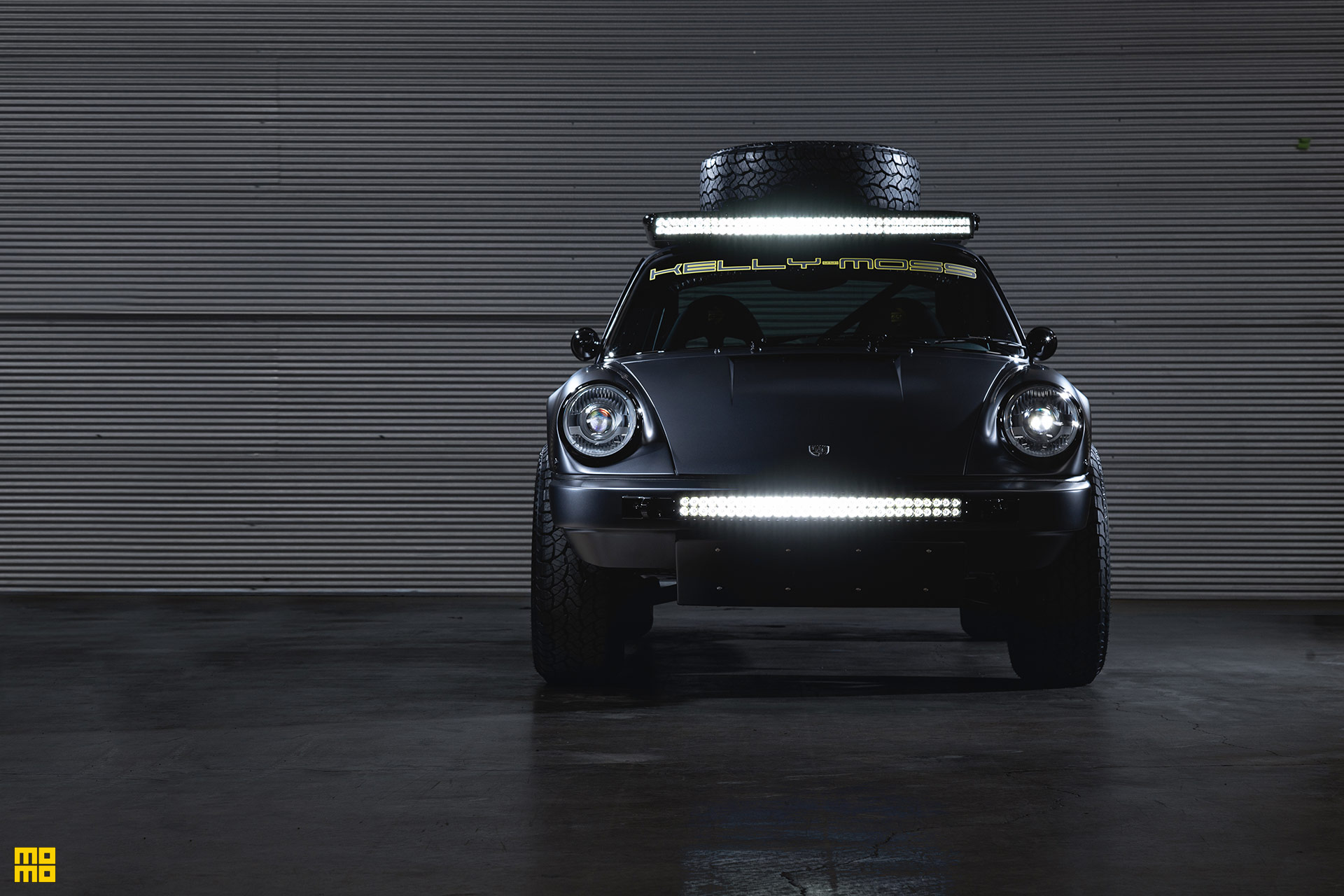 Matte Black Porsche 911 Safari - MOMO Heritage 6 Wheels in Matte Black